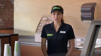 Subway Carved Turkey and Bacon Sandwich TV Spot, 'Tarea' [Spanish] - Thumbnail 4