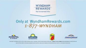 Wyndham Worldwide TV Spot, 'Pool Office' - Thumbnail 4