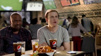 Buffalo Wild Wings TV Spot, 'Text Message' - Thumbnail 1