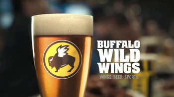 Buffalo Wild Wings TV Spot, 'Text Message' - Thumbnail 7