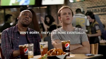 Buffalo Wild Wings TV Spot, 'Text Message' - Thumbnail 5