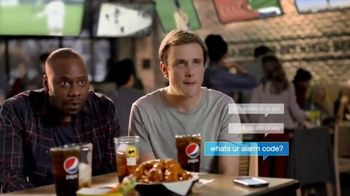 Buffalo Wild Wings TV Spot, 'Text Message' - 4129 commercial airings