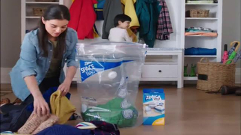 Ziploc Space Bag TV Spot, 'Make Room for Spring' - Thumbnail 3