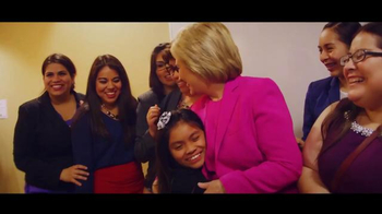Hillary for America TV Spot, 'Una Bandera' [Spanish] - Thumbnail 8