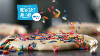 IHOP Bakery Favorites TV Spot, 'Rainbow Sprinkles' - Thumbnail 2