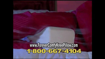 Forever Comfy Cooling Knee Pillow TV Spot, 'Anatomically Aligned Support' - Thumbnail 9