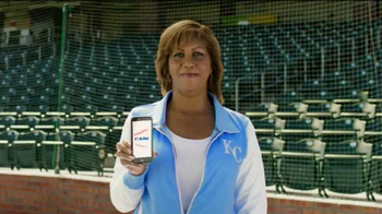MLB.com At Bat App TV Spot, 'El confeti' con Salvador Pérez [Spanish] - Thumbnail 2