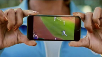 MLB.com At Bat App TV Spot, 'El confeti' con Salvador Pérez [Spanish] - Thumbnail 4