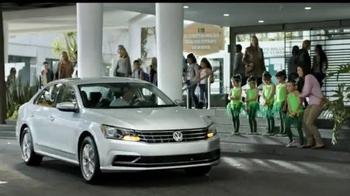 Volkswagen Evento Safety in Numbers TV Spot, 'Alas de hada' [Spanish] - Thumbnail 6