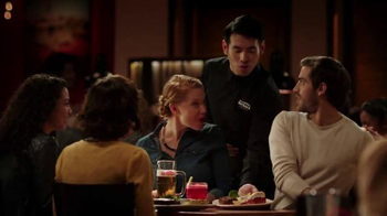 Outback Steakhouse Steak & Seafood TV Spot, 'They're Back' - Thumbnail 7