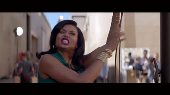 Hulu TV Spot, 'Hello From Hulu' Featuring Mindy Kaling, Andy Samberg - Thumbnail 6
