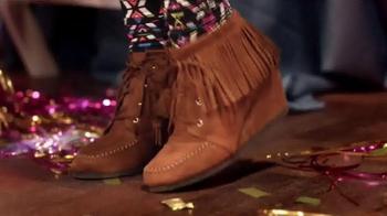 Shoe Carnival TV Spot, 'High School Dance' Song by Snap! - Thumbnail 4