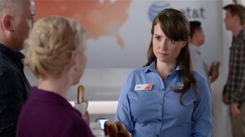AT&T TV Spot, 'Pretzel' - Thumbnail 7