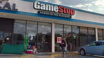 GameStop TV Spot, 'Halo 5: Camp Out' - Thumbnail 1