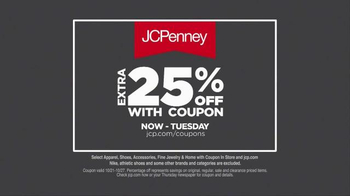 JCPenney Friends & Family Sale TV Spot, 'Athletic Apparel' - Thumbnail 5