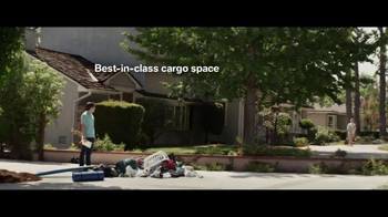 2016 BMW X1 TV Spot, 'Special Delivery: X1' - Thumbnail 6