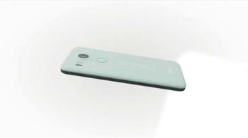 Google Nexus 5X TV Spot, 'Features' Song by Major Lazer, DJ Snake, MØ - Thumbnail 4