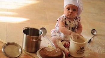 Eat24 TV Spot, 'Baby Chef' - Thumbnail 1