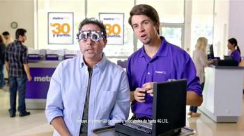 MetroPCS TV Spot, 'Perfectamente claro' [Spanish] - Thumbnail 3