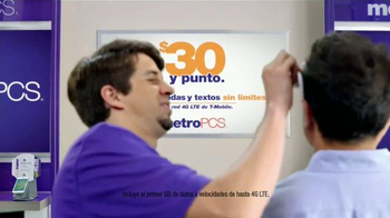 MetroPCS TV Spot, 'Perfectamente claro' [Spanish] - Thumbnail 4