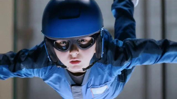 Lunchables Chicken Popper Kabobbles TV Spot, 'Indoor Skydiving' - Thumbnail 2