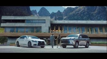 2016 Lexus LS & LX TV Spot, 'Different Route' - Thumbnail 4