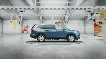 2016 Honda Pilot TV Spot, 'The Incredible Pilot' - Thumbnail 3