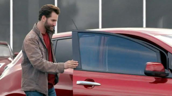 2015 Nissan Altima TV Spot, 'Wallet' - Thumbnail 4
