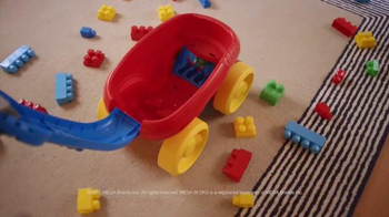 Mega Bloks Block Scooping Wagon TV Spot, 'Rolling, Scooping and Building' - Thumbnail 3