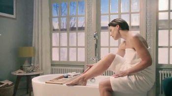 Venus Embrace Sensitive TV Spot, 'Party Prep' - 1899 commercial airings