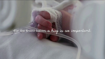 Huggies Little Snugglers TV Spot, 'The Tiniest Hugs' - Thumbnail 4