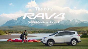 2017 Toyota RAV4 TV Spot, 'Paragliding' - Thumbnail 8