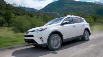 2017 Toyota RAV4 TV Spot, 'Paragliding' - Thumbnail 5