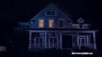 Mattress Firm TV Spot, 'Lights Out' - Thumbnail 3