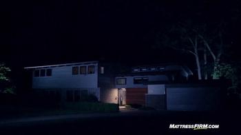 Mattress Firm TV Spot, 'Lights Out' - Thumbnail 4