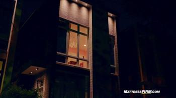 Mattress Firm TV Spot, 'Lights Out' - Thumbnail 5