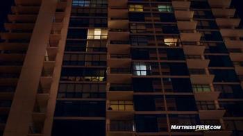 Mattress Firm TV Spot, 'Lights Out' - Thumbnail 6