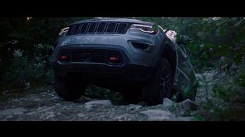2017 Jeep Grand Cherokee TV Spot, 'Never Waiver' [T1] - Thumbnail 3
