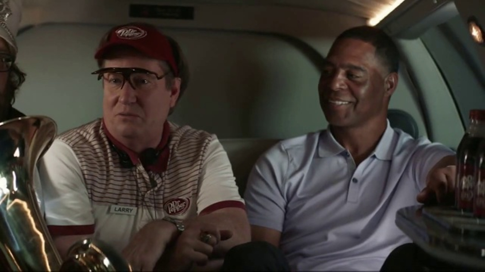 Dr Pepper TV Commercial, 'College Football: A Lift' Ft Marcus Allen, Jesse Palmer