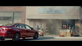 2017 Toyota Camry LE TV Spot, 'Tienda de mascotas' [Spanish] [T2] - 96 commercial airings