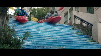 2017 Toyota RAV4 TV Spot, 'Inner City Outdoors' - Thumbnail 6