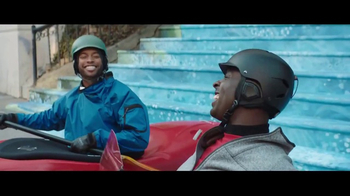 2017 Toyota RAV4 TV Spot, 'Inner City Outdoors' - Thumbnail 7