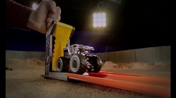 Hot Wheels Monster Jam Front Flip Takedown TV Spot, 'Make It Epic' - Thumbnail 3