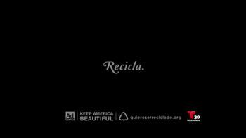 Keep America Beautiful TV Spot, 'Recicla: otra vida' [Spanish] - Thumbnail 5
