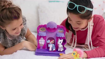 My Little Pony Rarity Fashion Runway TV Spot, 'Spin Into Style' - Thumbnail 3