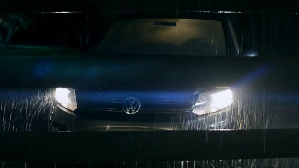 2018 Volkswagen Atlas TV Commercial, 'Luv Bug' Song by Dean Martin [T1] - iSpot.tv
