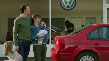 2018 Volkswagen Atlas TV Spot, 'Luv Bug' Song by Dean Martin [T1]