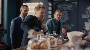 DIRECTV TV Spot, 'Coffee Shop' Feat. Dan Finnerty, Greg Gumbel - Thumbnail 6