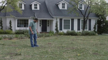 Lowe's Refresh Your Outdoors Event TV Spot, 'The Moment: Scotts EZ Seed' - Thumbnail 1