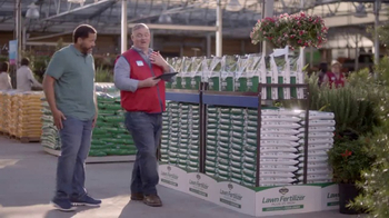 Lowe's Refresh Your Outdoors Event TV Spot, 'The Moment: Scotts EZ Seed' - Thumbnail 5